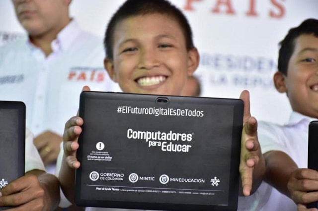 Colombia increases access to education technology